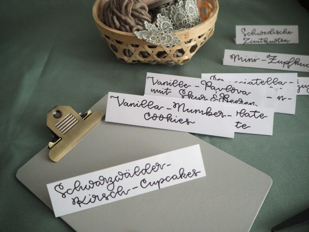 manufaktur-fuer-kreatives-johanna-karl-grafikdesign-lettering-artist-handlettering-für-buffetkarten-sweet-table (3)